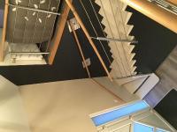 Réalisation peinture et décoration hall d'entrée cage d'escalier porte intérieur et escaliier