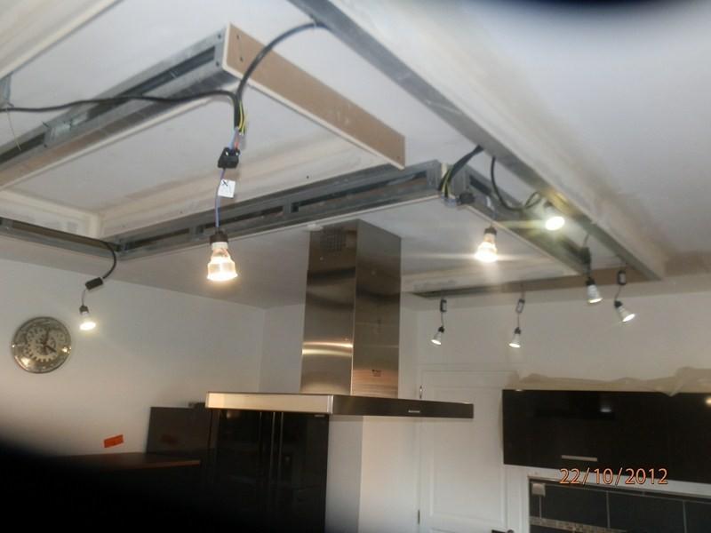 Plafond d coratif avec spots int gr s valenciennes for Renovation plafond placo