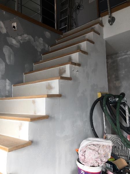 peinture d coration cage escalier hall d entr e porte. Black Bedroom Furniture Sets. Home Design Ideas